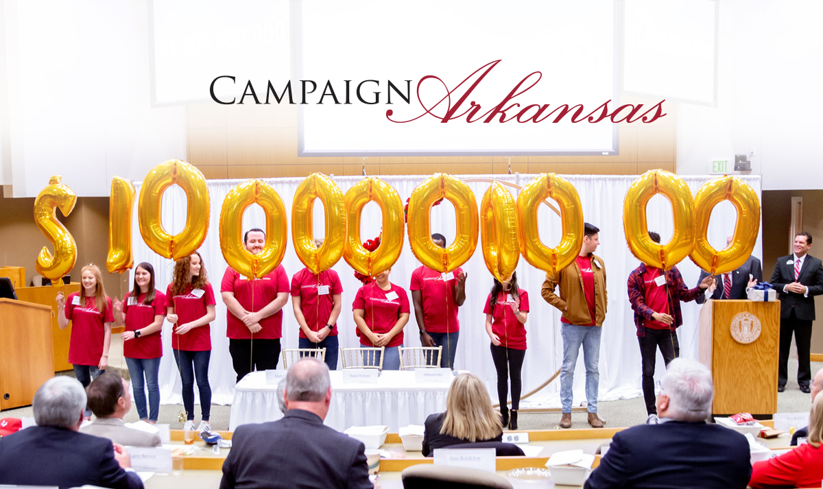 Students celebrate the $1 billion milestone of Campaign Arkansas